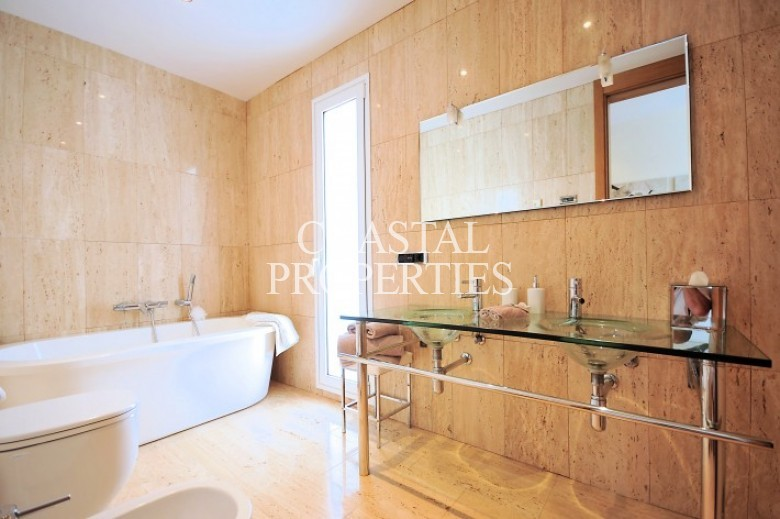Property for Sale in Cala D'or, Villa For Sale On The Marina In Cala D'or, Mallorca, Spain