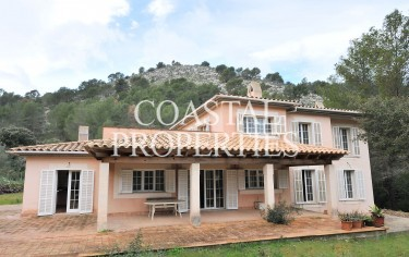 Property for Sale in Calvia, Country House For Sale At Very Low Price Calvia, Mallorca, Spain