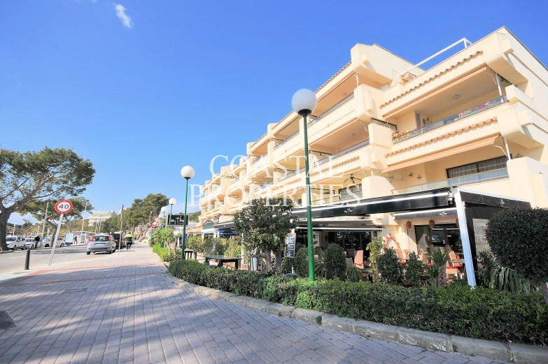Property for Sale in Palmanova, Beach Front Apartment For Sale Palmanova, Mallorca, Spain