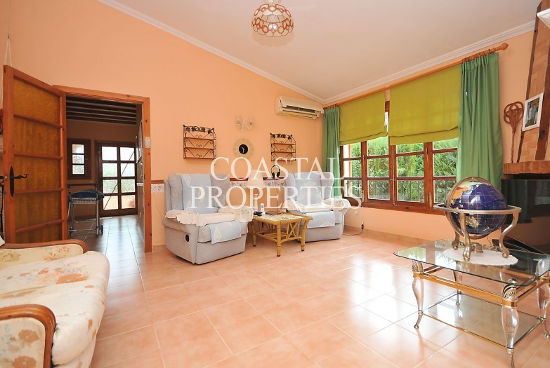 Property for Sale in Costa De La Calma, Lovely Little Villa With Swimming Pool For Sale Costa De La Calma, Mallorca, Spain