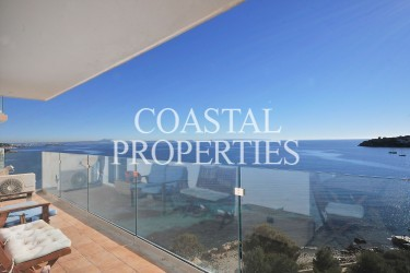 Property for Sale in Palmanova, Sea View Apartment With Three Bedrooms For Sale Palmanova, Mallorca, Spain