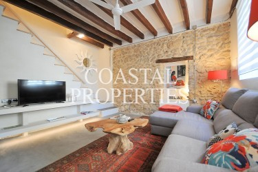 Property for Sale in Mancor del Valle. Charming Village House With Touristic License For Sale Mancor del Valle, Mallorca, Spain