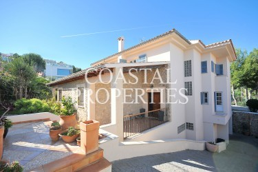 Property for Sale in Large 6 Bedroom Family Villa With Swimming Pool For Sale Santa Ponsa, Mallorca, Spain