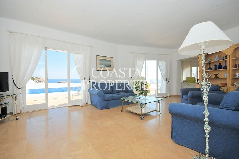 Property for Sale in Cala Esmeralda, Front Line Villa With Amazing Views For Sale Cala D'or, Mallorca, Spain