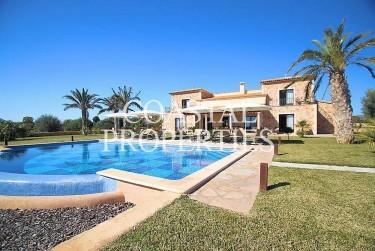 Property for Sale in Porto Colom, Large Country Finca With Sea Views For Sale Porto Colom, Mallorca, Spain