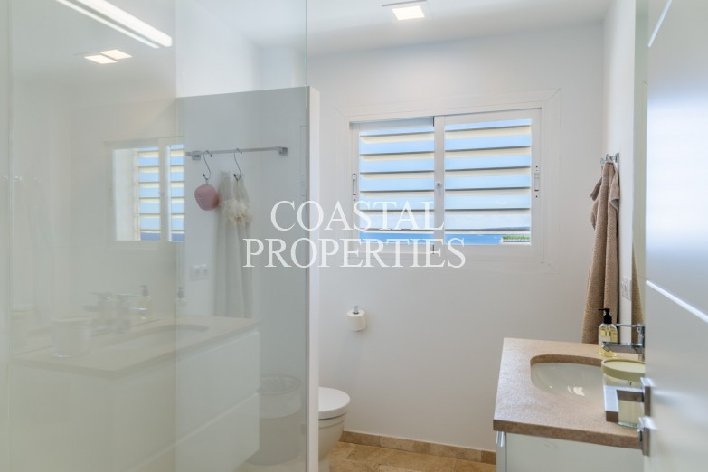 Property for Sale in Portals Nous, Large Luxury Sea View Penthouse With Large Roof Terrace For Sale  Portals Nous, Mallorca, Spain
