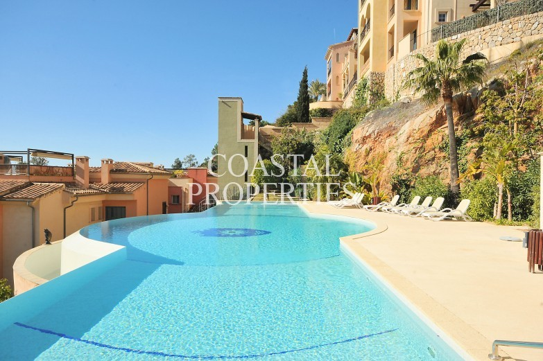 Property for Sale in Gran Folies, Luxury 2 bedroom garden apartment for sale  Puerto Andratx, Mallorca, Spain