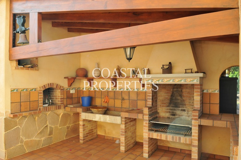 Property for Sale in Selva, Beautifully maintained country property with 4 bedrooms for sale Selva, Mallorca, Spain