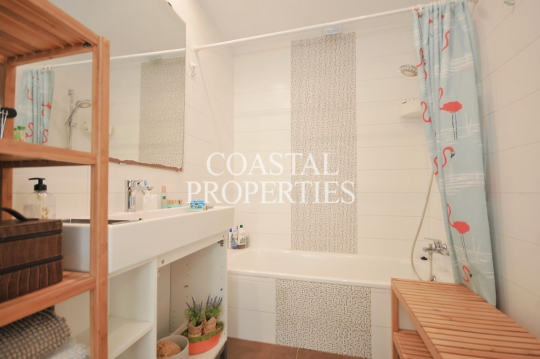 Property for Sale in Magalluf, 4 Bedroom town house for sale in a lovely community.  Magalluf, Mallorca, Spain