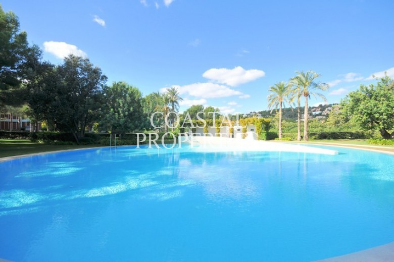 Property for Sale in Bendinat, Luxury apartment for sale in Es Pinar Development Bendinat, Mallorca, Spain