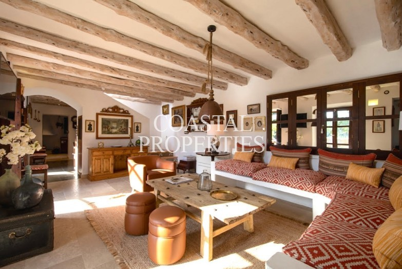 Property for Sale in Capdella, A gorgeous, 3 bedroom traditional property for sale Capdella, Mallorca, Spain