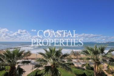 Property for Sale in Near Palma, Luxury 3/4 bedroom beachfront apartment for sale   Portixol, Mallorca, Spain