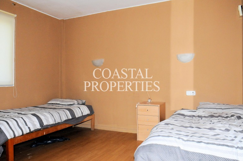 Property for Sale in Bargain 2 bedroom partial sea view apartment for sale Magalluf, Mallorca, Spain