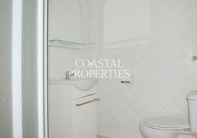 Property for Sale in Apartment with 3 bedrooms for sale close to the beach  Magalluf, Mallorca, Spain