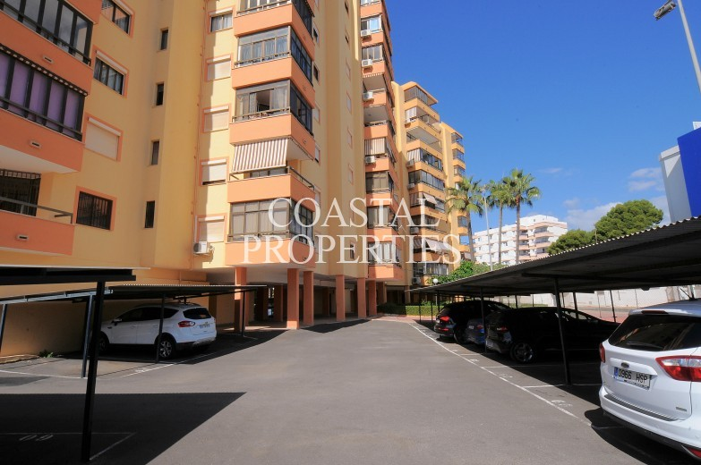Property for Sale in Sea view, 2 bedrooms, 1 bathroom apartment for sale Palmanova, Mallorca, Spain