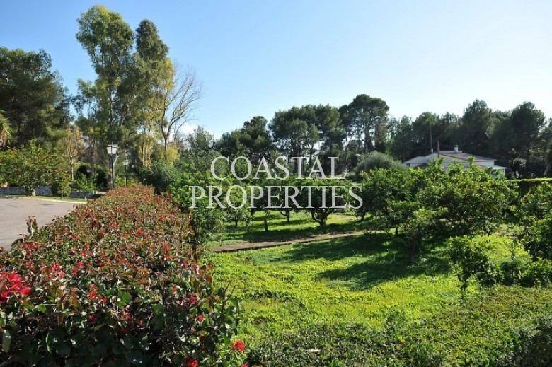 Property for Sale in Genova, Large House For Sale In The Village Of Genova, Palma, Spain